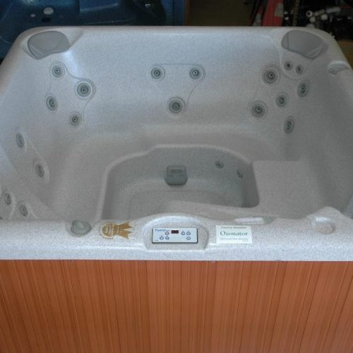 jacuzzi hot tub monarch in San Antonio