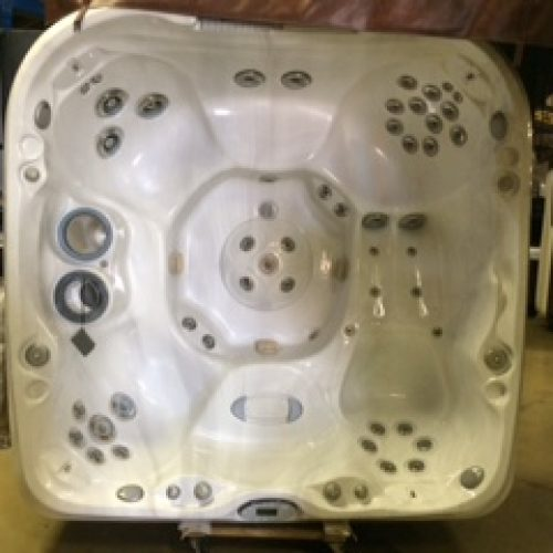 refurbished jacuzzi hot tub 480 in San Antonio